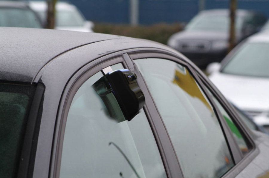 Car dealer key box for window. KVBOX - Code opening